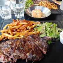 Entrecôte au restaurant La côte et l'arrête Toulouse