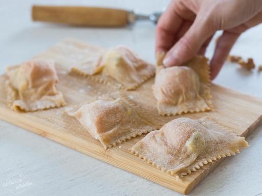 Pâte à raviolis et ravioles maison recette pliage facile