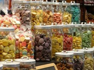 Coques macarons colorées