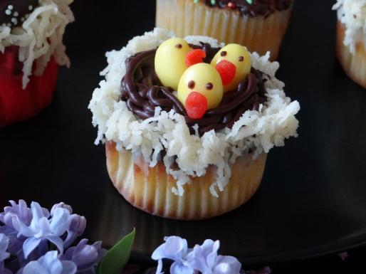 cupcake chocolat nid de paques poussin