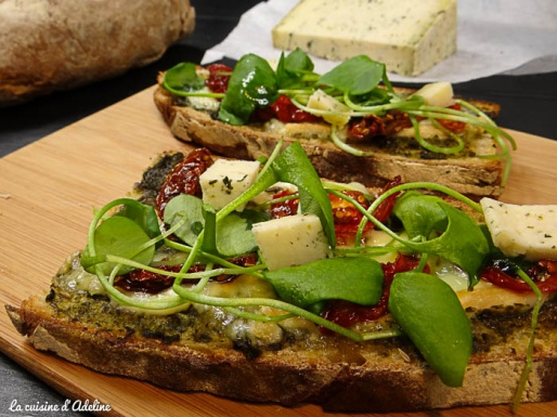 Tartine gourmande made in Alsace - pesto tomate munster