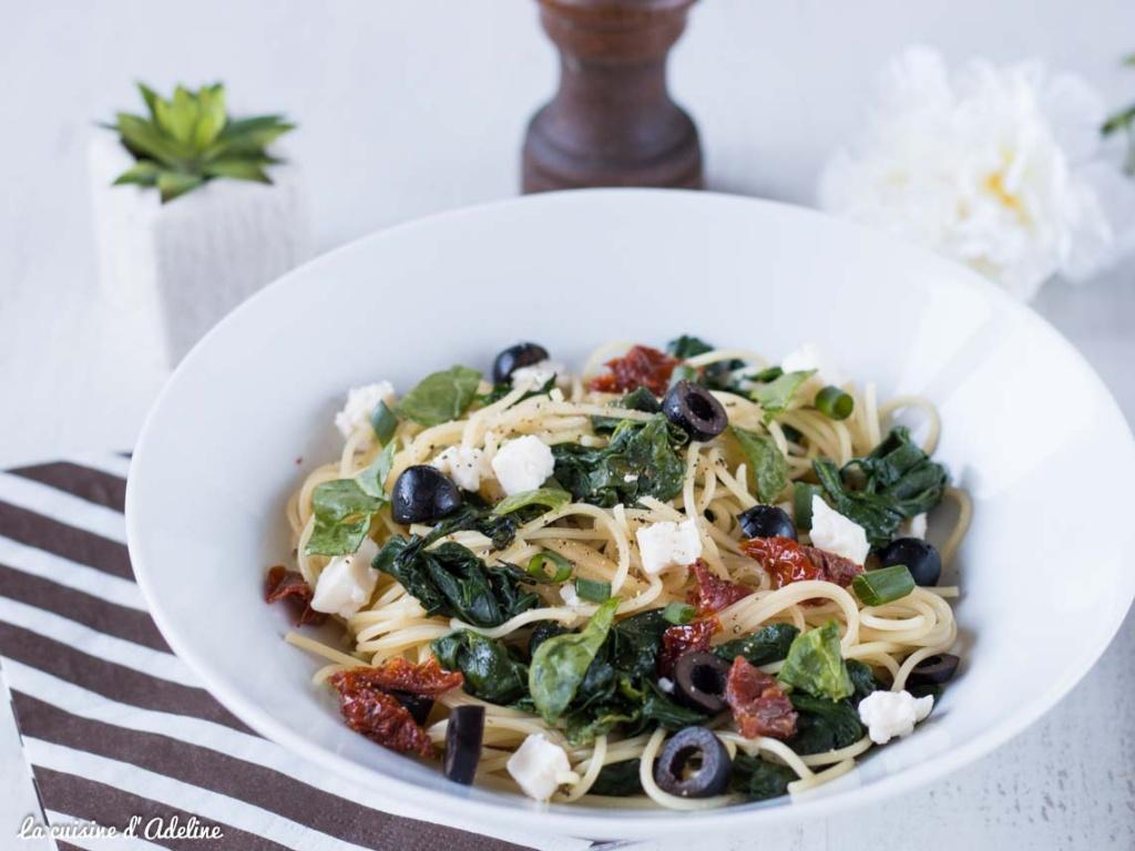 Spaghettis aux épinard et l'ail recette facile