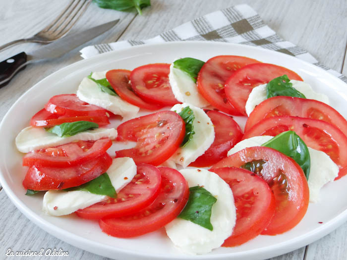 salade caprese tomate mozzarella basilic recette italienne