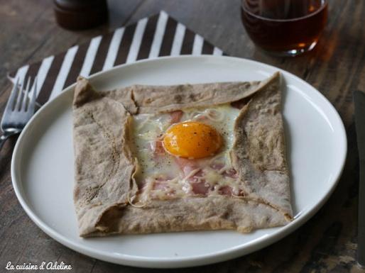 Galette bretonne de sarrasin complète - Oeuf jambon fromage