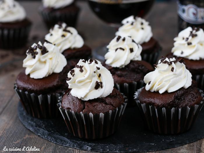 Cupcakes au chocolat et à la bière topping chantilly mascarpone