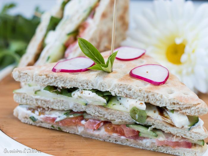 Club sandwich aux crudités maison