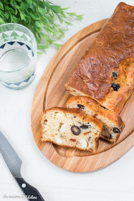 Cake salé aux olives recette végétarienne