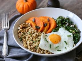 Assiette complète quinoa blettes courge œuf