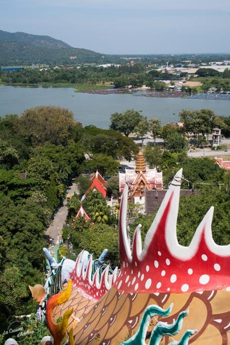 Wat Ban Tham temple dragon Kanchanaburi Thailande