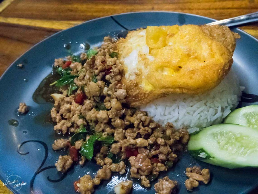 Pad Kra Prow - Hot basil beef Thailande