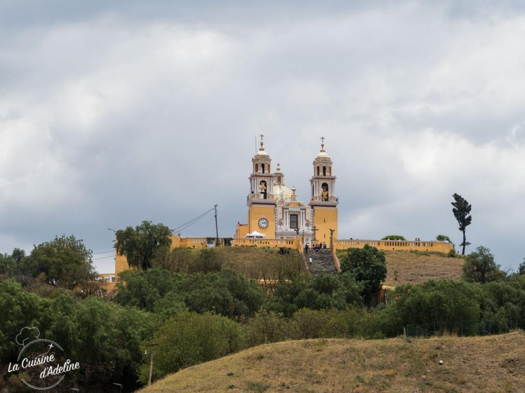 Cholula Iglesia Nuestra Senora de los Remedios pyramide Mexique