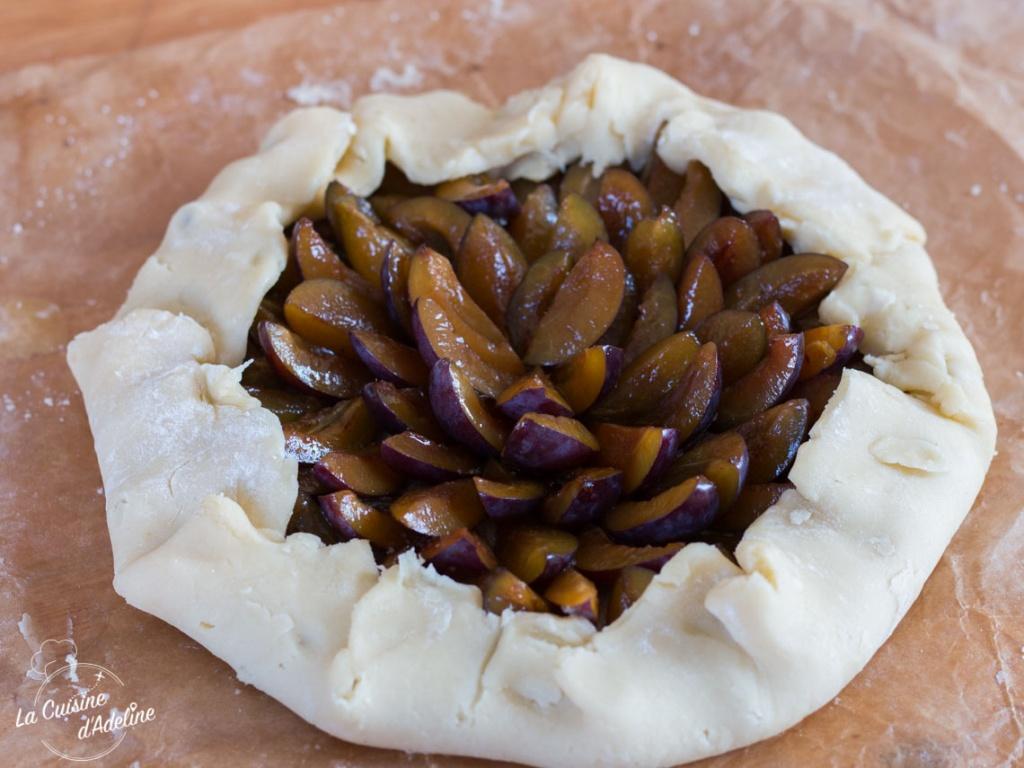 Tarte rustique aux quetsches prunes Alsace avant cuisson