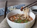 Bouillon asiatique aux l2gumes et sauce soja