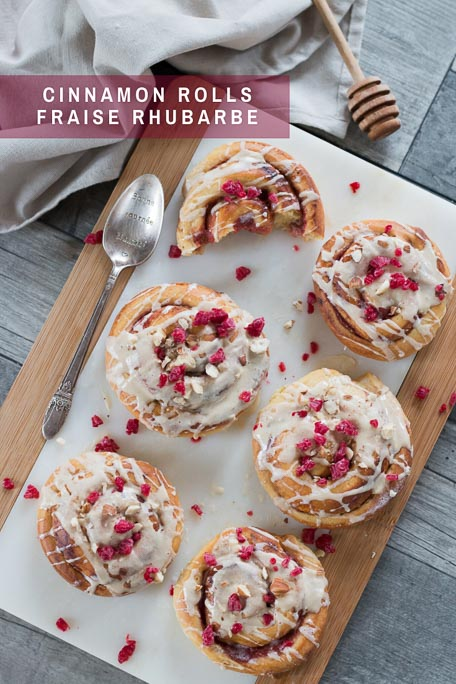 Cinnamon rolls fraise rhubarbe